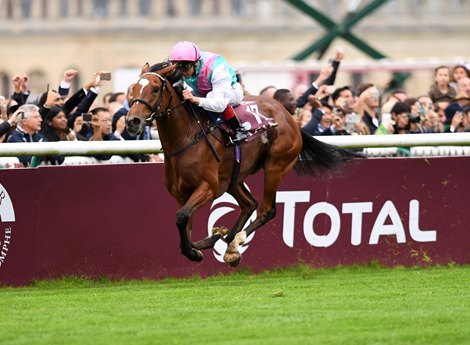 Enable wins the 2017 Qatar Prix de l'Arc de Triomphe (G1)